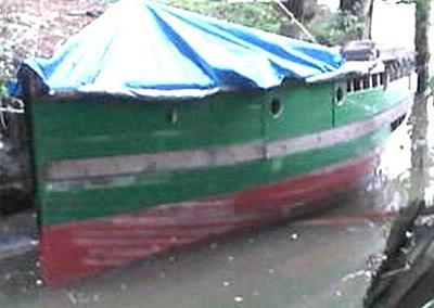 1903 25 ft x fishing boat
