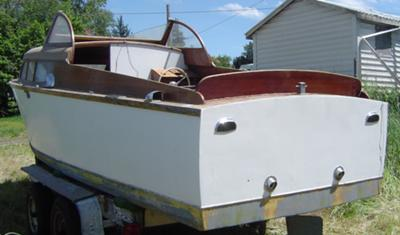 Chris Craft Express Cruiser