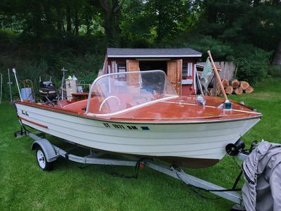 15' Penn Yan Mariner with trailer and lots of extras.