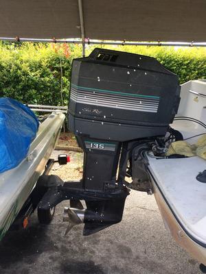 1989 Sea Ray Bowrider boat 135 horsepower Mercury outboard motor