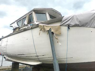 32ft wooden boat needs lots of TLC