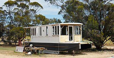 40 foot Shantyboat