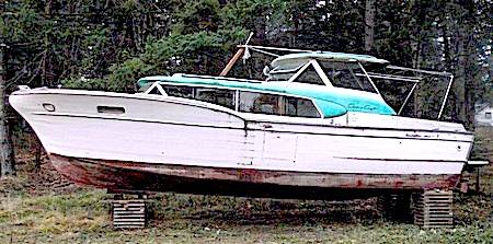 The Chris Craft Commander La Donna