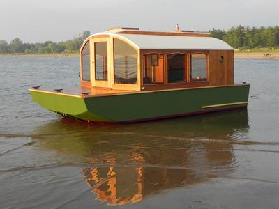 dianne s rose a tiny shanty camp houseboat 17 x 8 beam
