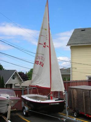 sailing dinghy designed by Ed Monk