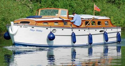 Kings Shilling - Classic 1947 Norfolk Broards cruiser