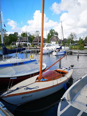 """Dutch classic plywood sailboat, built in Nijmegen by the """"Salamander"""" shipyard in 1954, designed by H. Malcorps."""