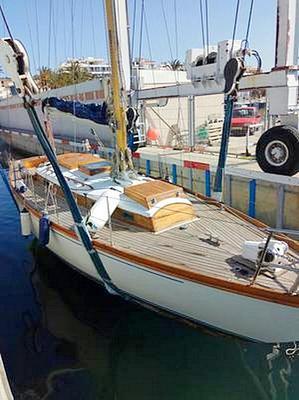 "23ft Buchanan Classic wooden yacht ""Peri"""