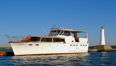 Semper Fi at anchor